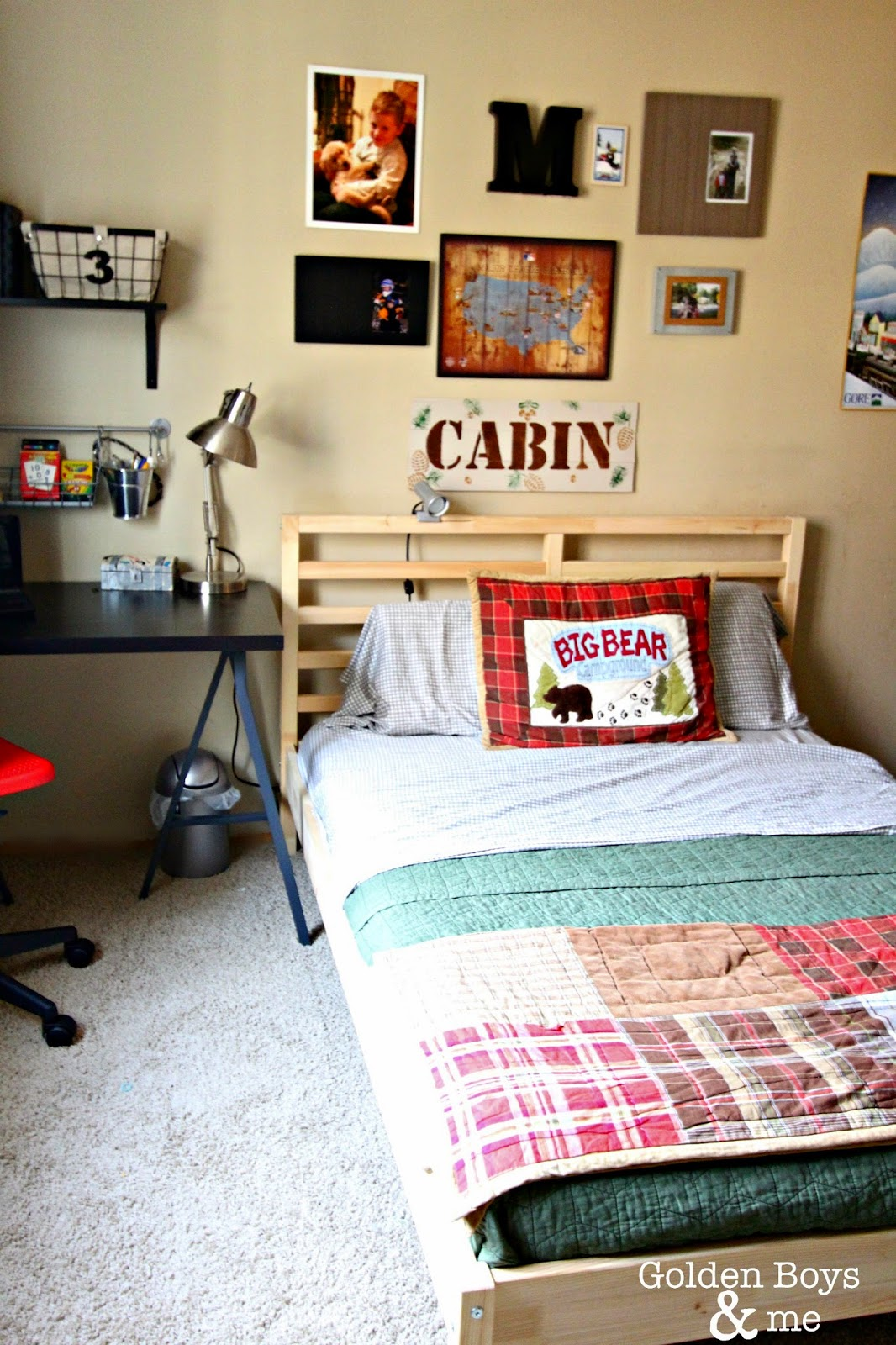 Cabin themed boys bedroom with Target bedding-www.goldenboysandme.com