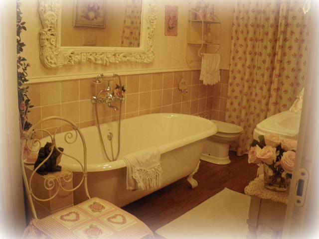 Piastrelle bagno stile provenzale arredamento casa al - Piastrelle arredo bagno ...