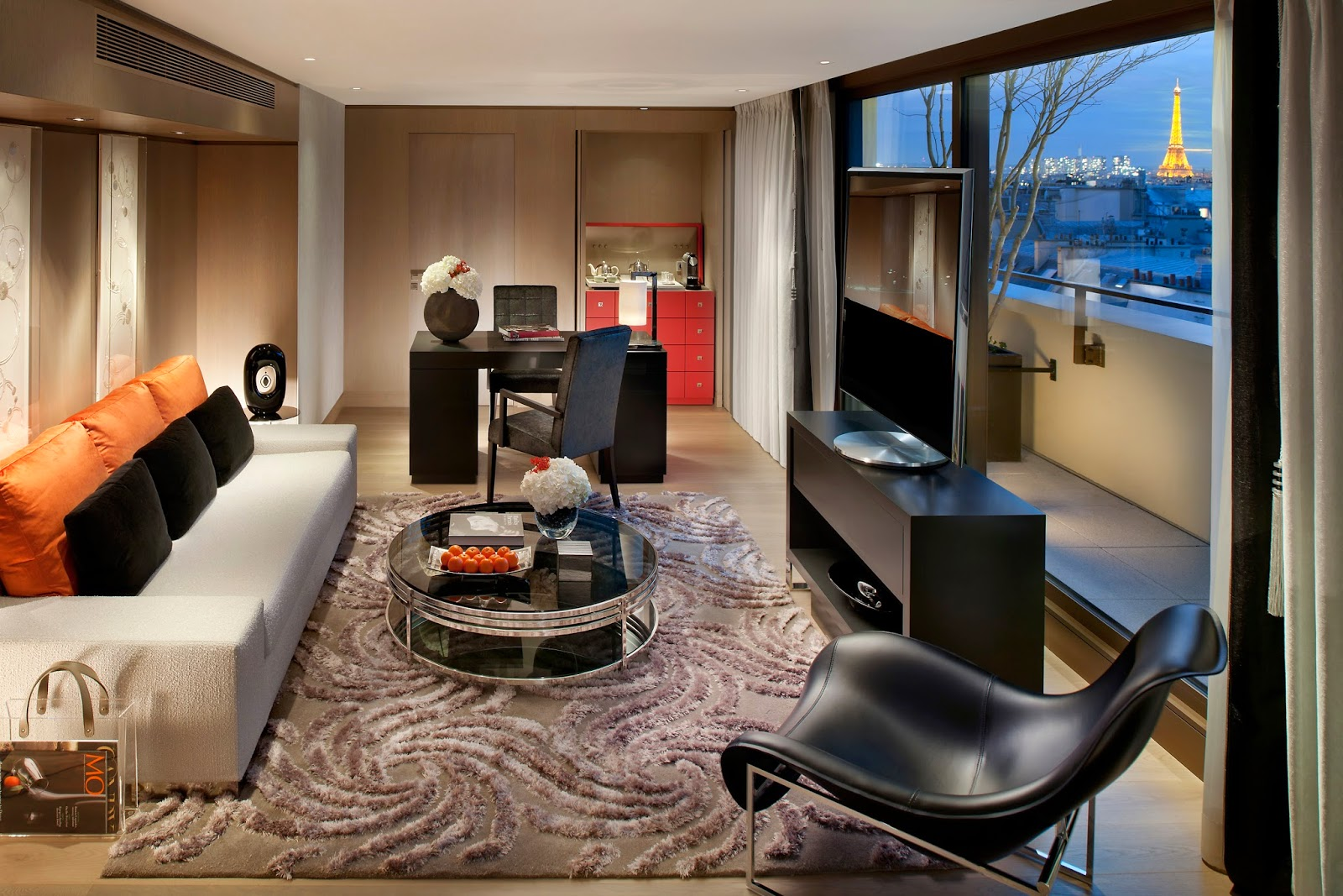 kee hua chee live mandarin oriental paris has just been awarded the highly coveted 39 palace. Black Bedroom Furniture Sets. Home Design Ideas