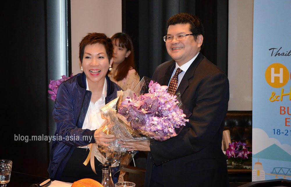 Mrs Supawan Teerarat