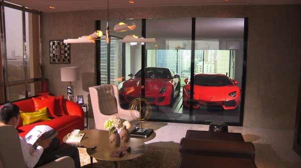 Hamilton luxury apartment with private garage for car