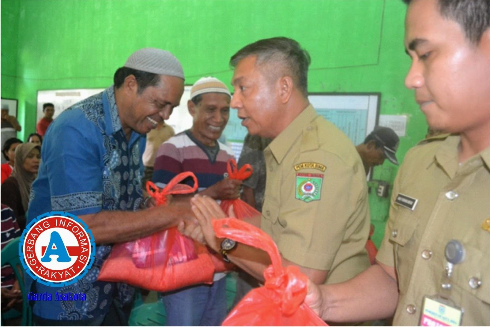Wakil Walikota Salurkan Bantuan Kepada Korban Banjir