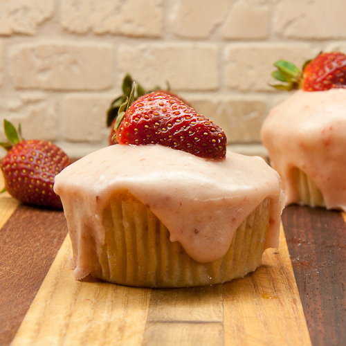 strawberry, cupcakes