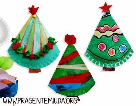 Árvore de natal com dobradura de pratos de papel