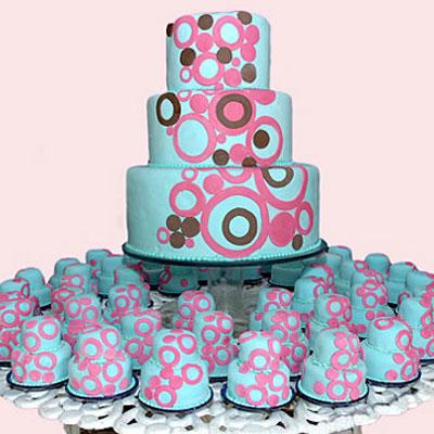 Quinceanera Cakes  Colorful Quinceanera Cake with Cupcakes  UniqueQuinceanera Cakes With Cupcakes
