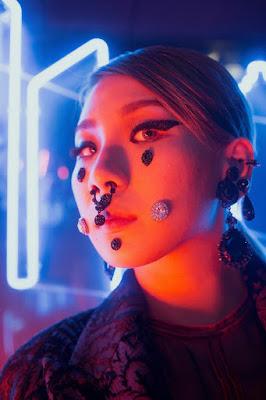 CL 2NE1 Dazed and Confused
