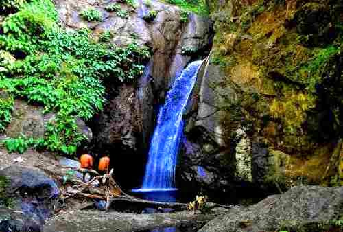 Macalbag Waterfalls, Antique