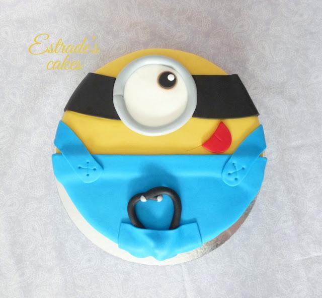 tarta minion médico 1