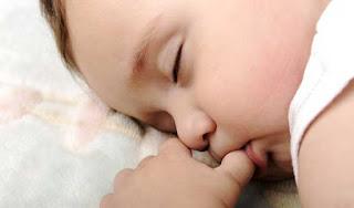 Cara Jitu Menghilangkan Kebiasaan Anak Menghisap Jempol