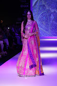 Kriti Sanon Latest Pictures at IIJW 2015-thumbnail-6
