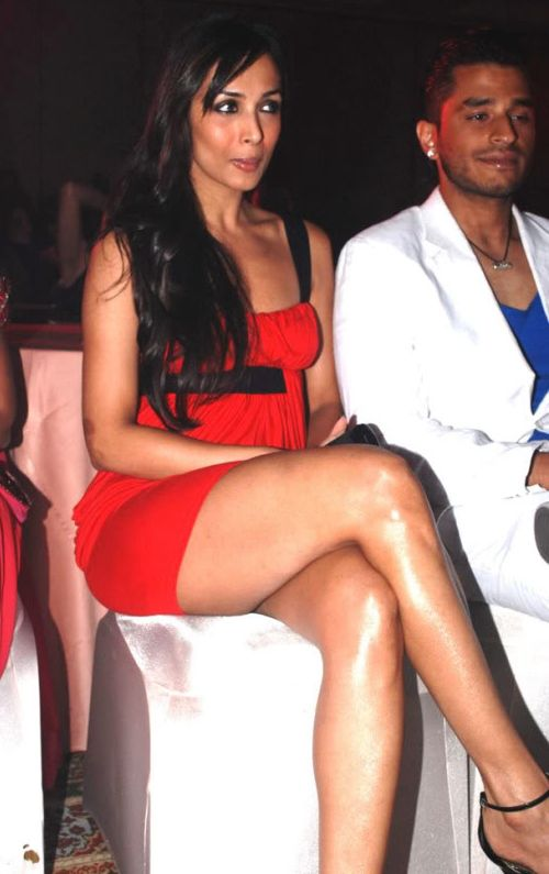 Hot Naked Bollywood Sexy Actress Thunder Thighs - Upskirts Celebrity Pics, ...
