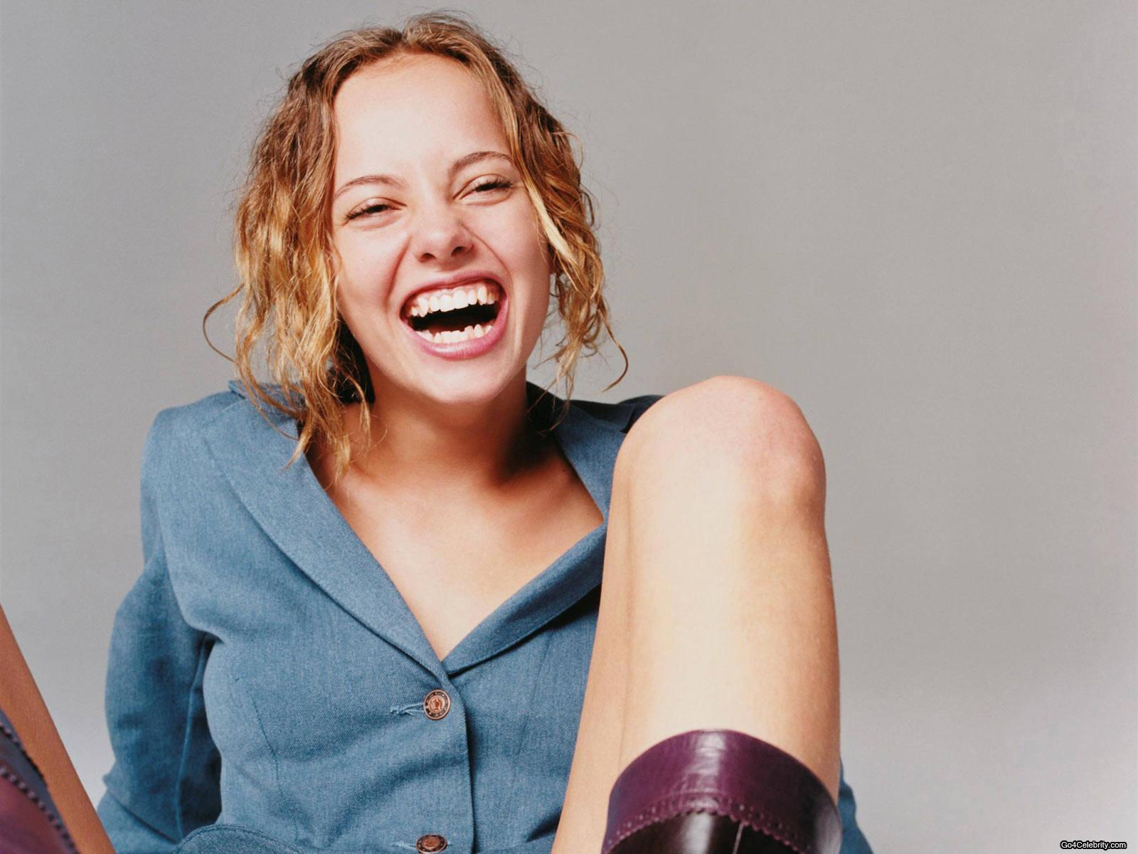 hot wallpaper wallpaper 2012 bijou phillips With bijou