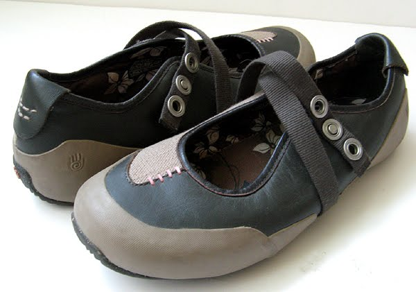closet teva keen sport shoes womens size 11
