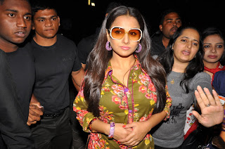 Vidya Balan in strange clothes spotted at Cream Stone Ice Cream Launch