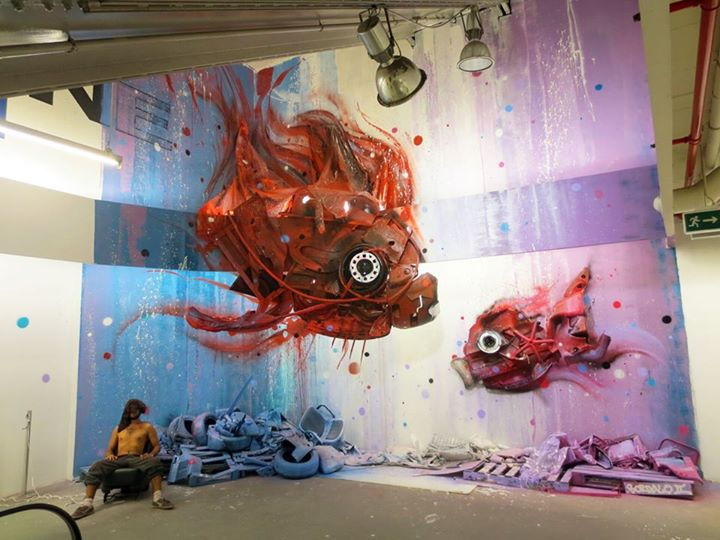 15-Dirty-Aquarium-Sculptor-Bordalo-Segundo-II-Sculpture-Urban-Camouflage-in-Upcycling-Rubbish-www-designstack-co