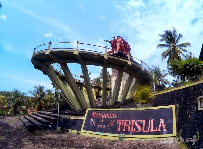 Monumen Trisula di Blitar Selatan