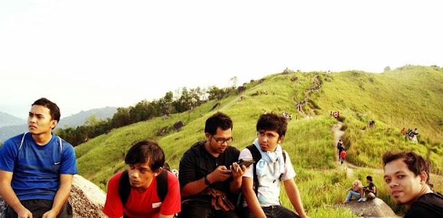 KEINDAHAN BUKIT BERUMPUT DI MALAYSIA | BROGA HILL