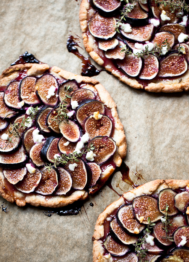 Yummy Supper : FIG TARTLETS WITH HERBS + HONEY