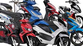 Pasar Sepeda Motor di luar Jawa Terjun Bebas (www.motroad.com)