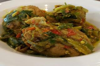 Ayam Masak Paniki Khas Sulawesi Utara
