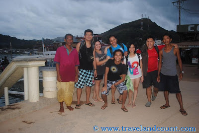 Picture with our Bangkeros in Coron