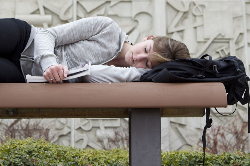 9 hours of sleep per day is advised for teenagers