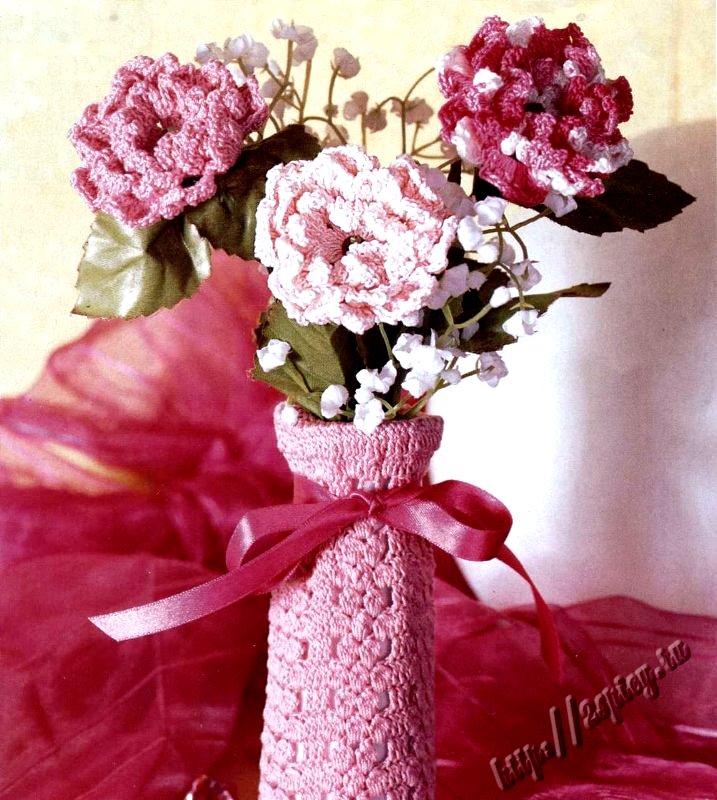 Вязанные розы в вазу