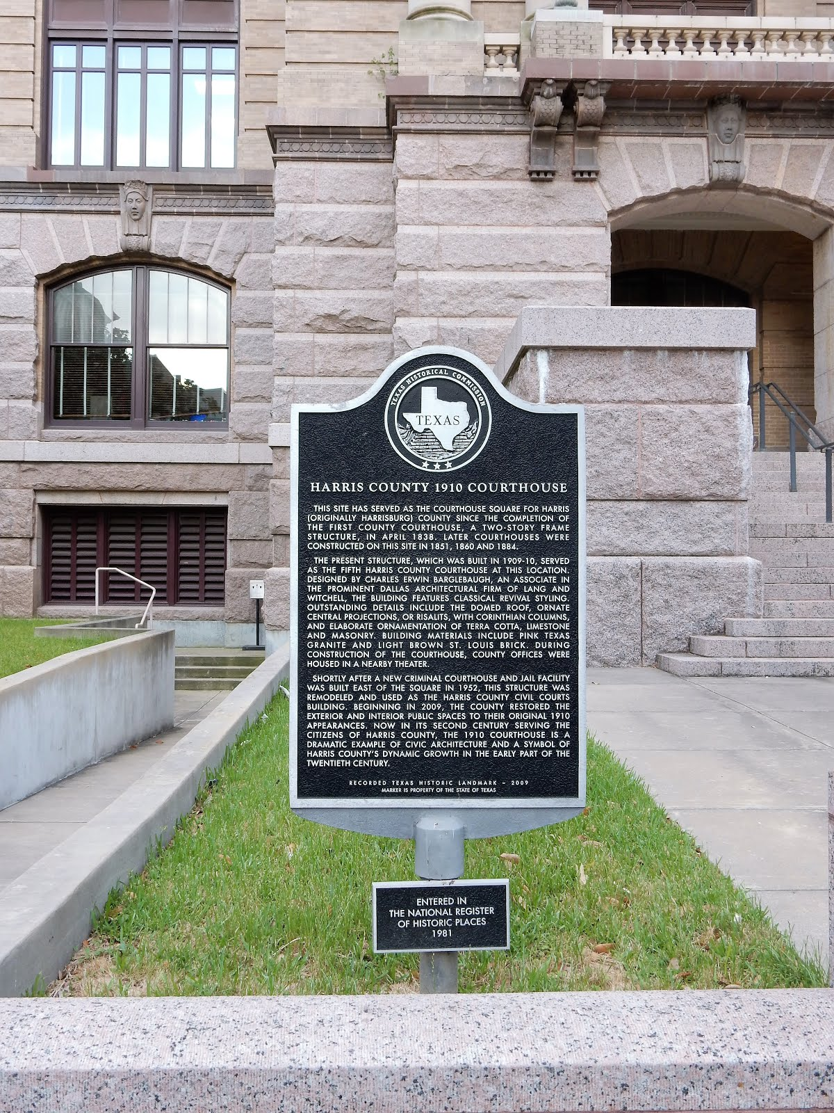 Historical Marker at Old Courthouse