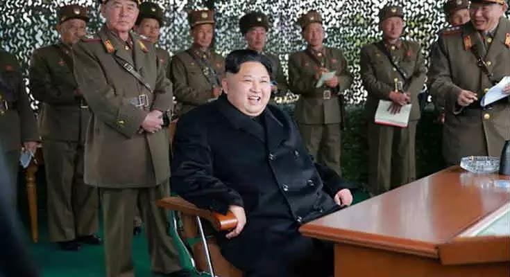 Βορειοκορεάτης γιατρός αποκαλύπτει: 130 γιατροί δίνουν αγώνα για να κρατήσουν τον Κιμ Γιονγκ Ουν ζωντανό