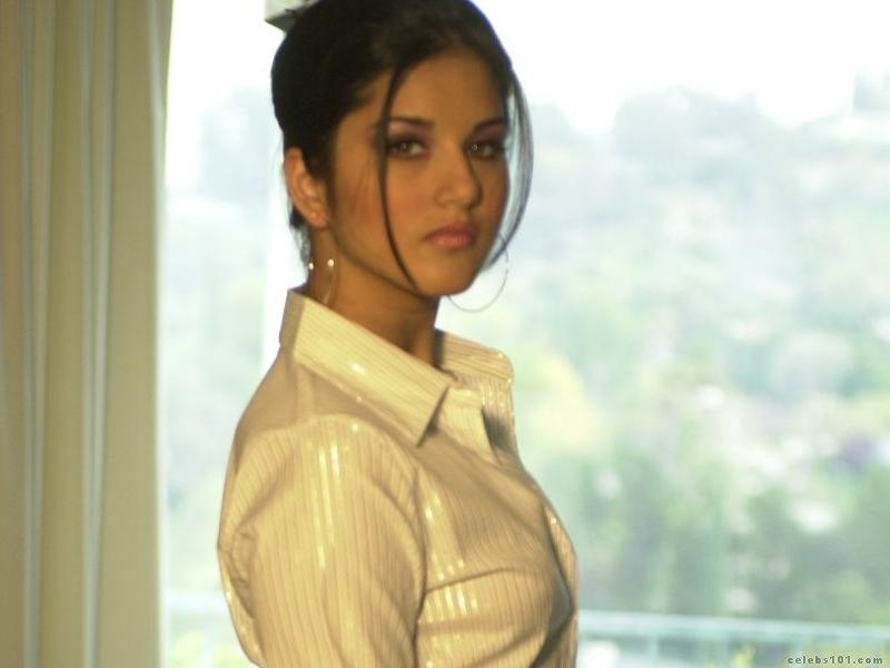 Sunny Leone Latest Photoshoot Gallery