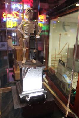 Skeleton Automaton