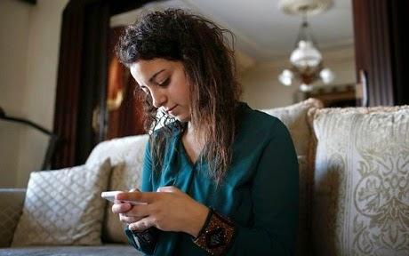 Remaja perempuan Palestin ini terkenal di Twitter