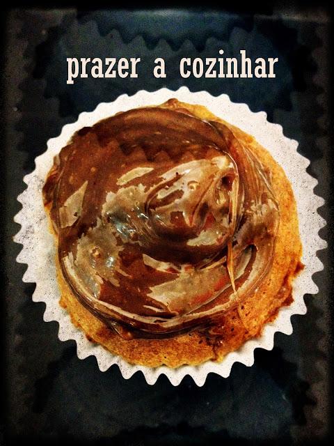 prazer a cozinhar - cupcake de chocolate com cobertura de brigadeiro