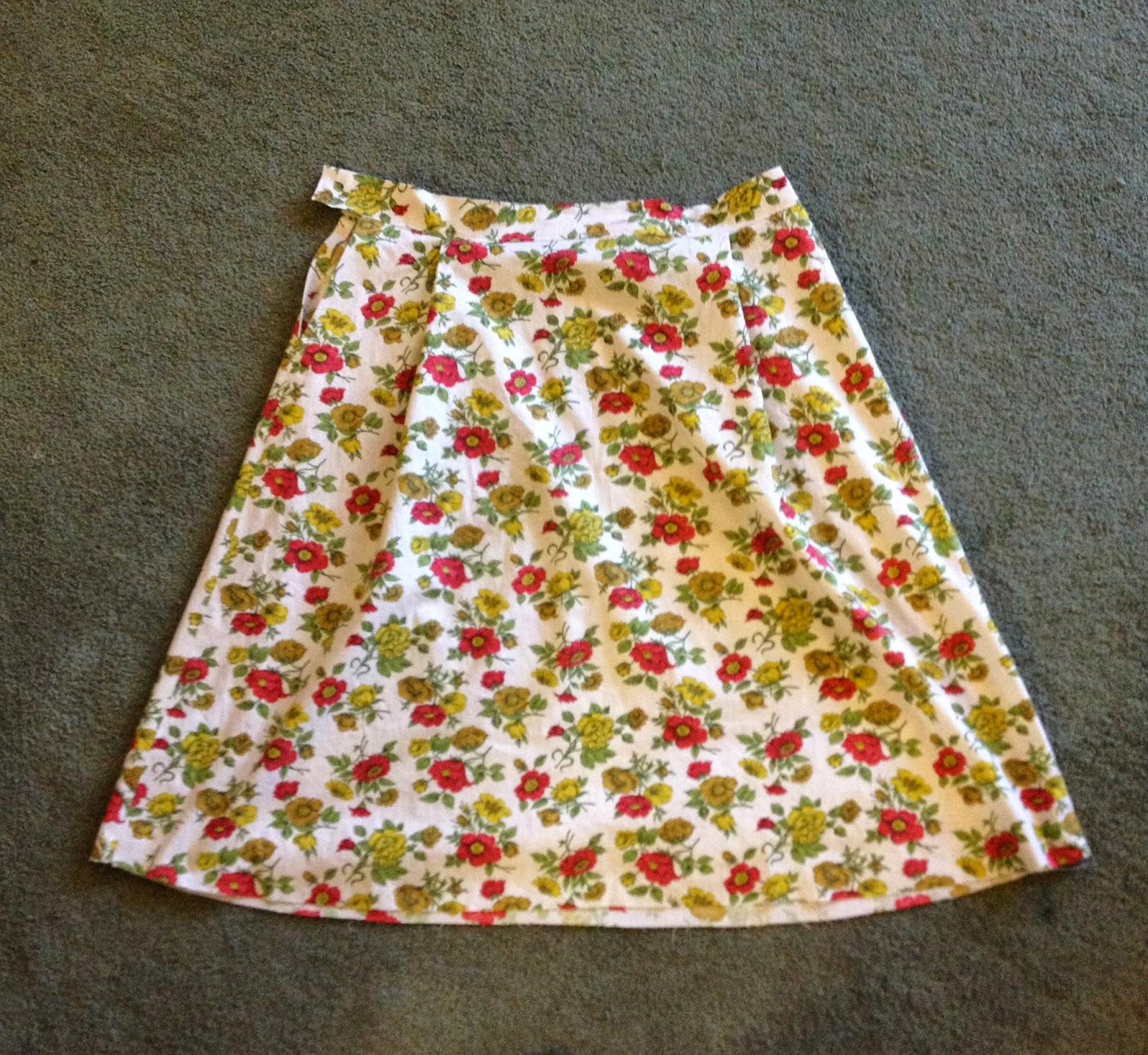Vintage skirt She Knits in Pearls