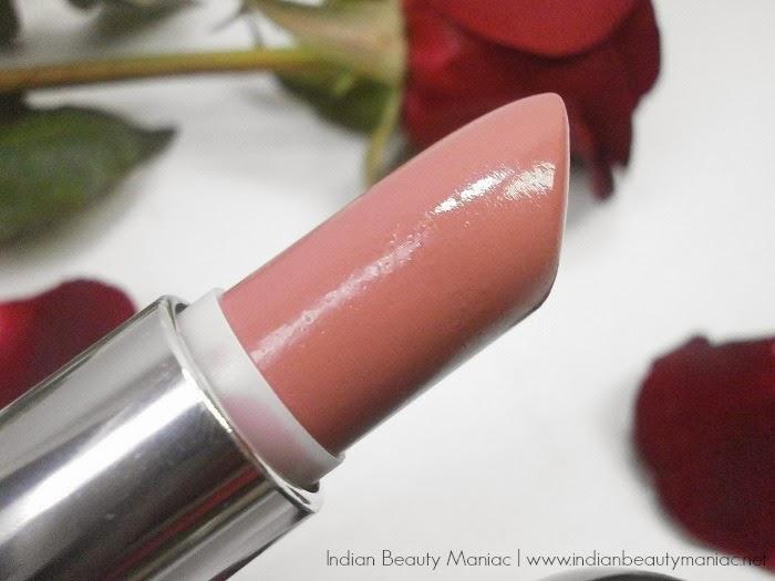 Oriflame Studio Artist Lipstick in Pink Nude Bullet close up