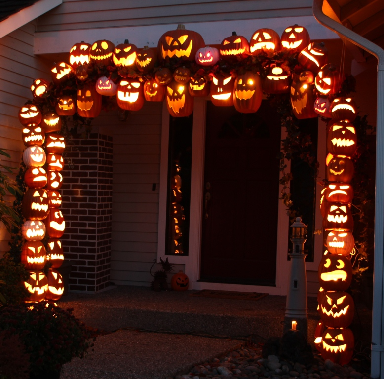 don morin 2011 halloween pumpkin arch construction