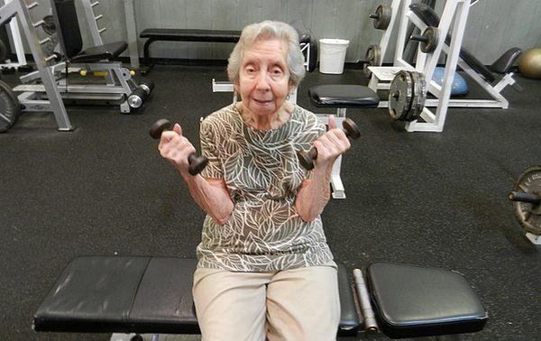 Flexionando los biceps