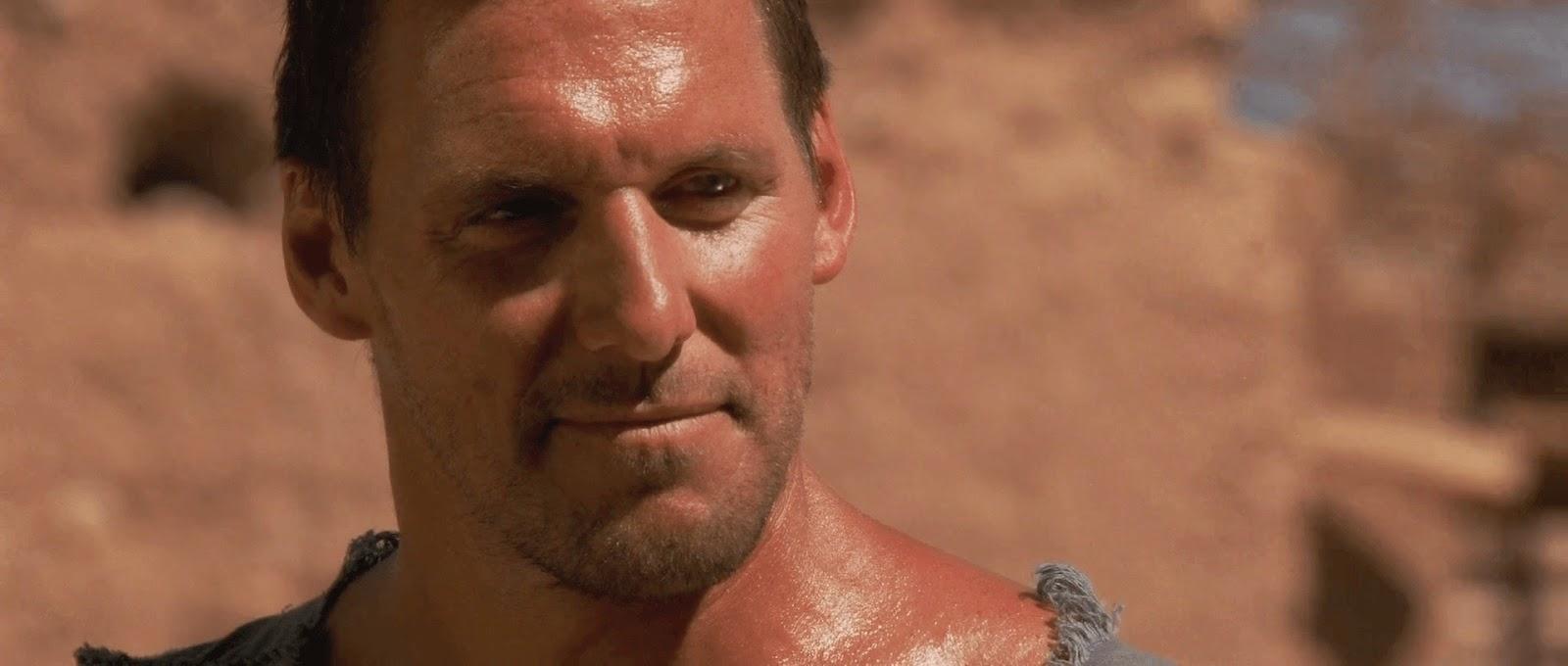 Gladiator (2000) S2 s Gladiator (2000)