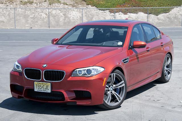 Фотографии BMW M5 6MT 2013 года
