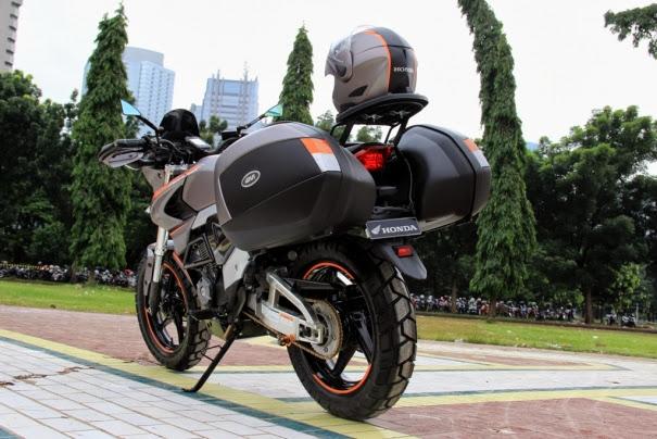 Modifikasi New Honda Megapro FI 2014 menelan biaya modifikasi hingga  title=