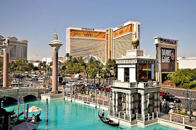 Najskuplje ,neobične ,čudne hotelske sobe i hoteli  - Page 2 The-Mirage-Las-Vegas