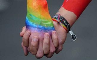 Ieri, sodomiţii au mai câştigat o redută: Căsătoriile gay sunt permise şi în Irlanda de Nord