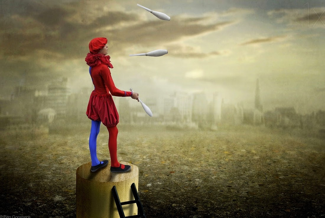 16-The-Little-Juggler-High-Level-Ben-Goossens-Surreal-Photos-of-everyday-Issues-www-designstack-co