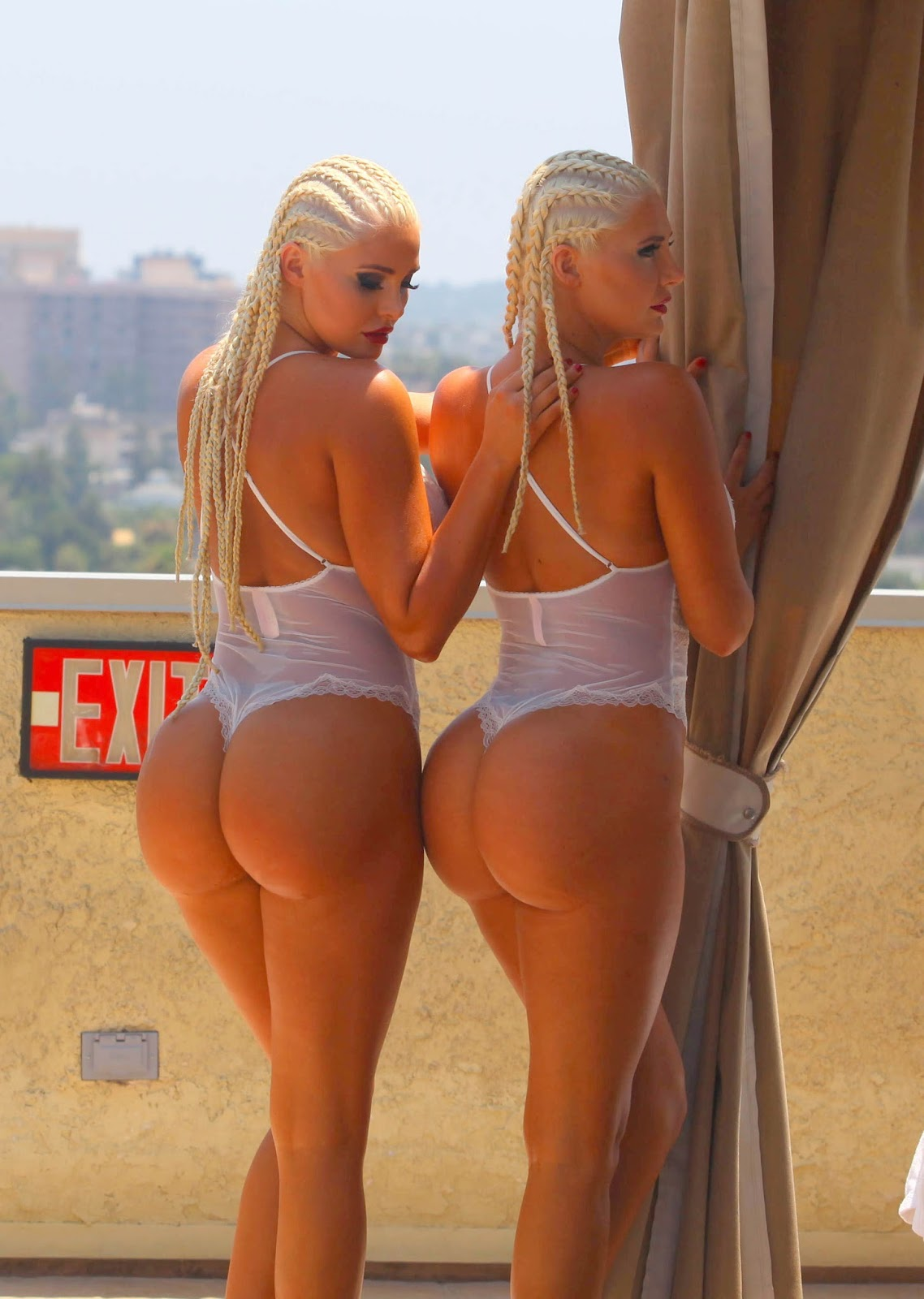 Gifs and Pics Every Day: Whooty Twins
