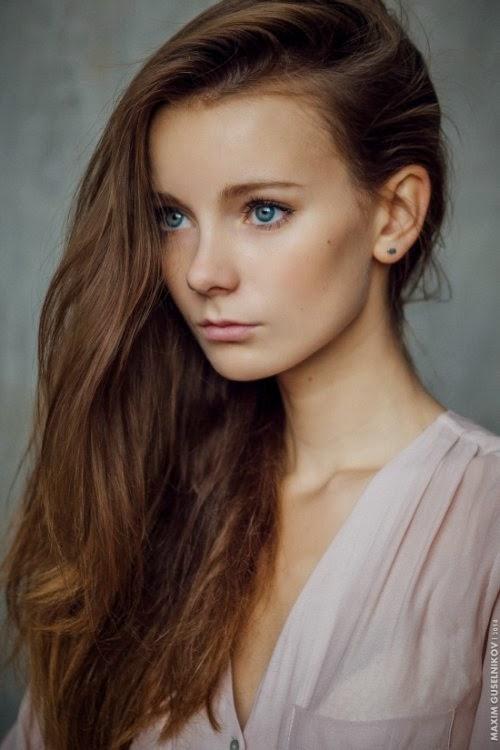 Maxim Guselnikov fotografia mulheres sensuais modelo russa Anna Sladkova