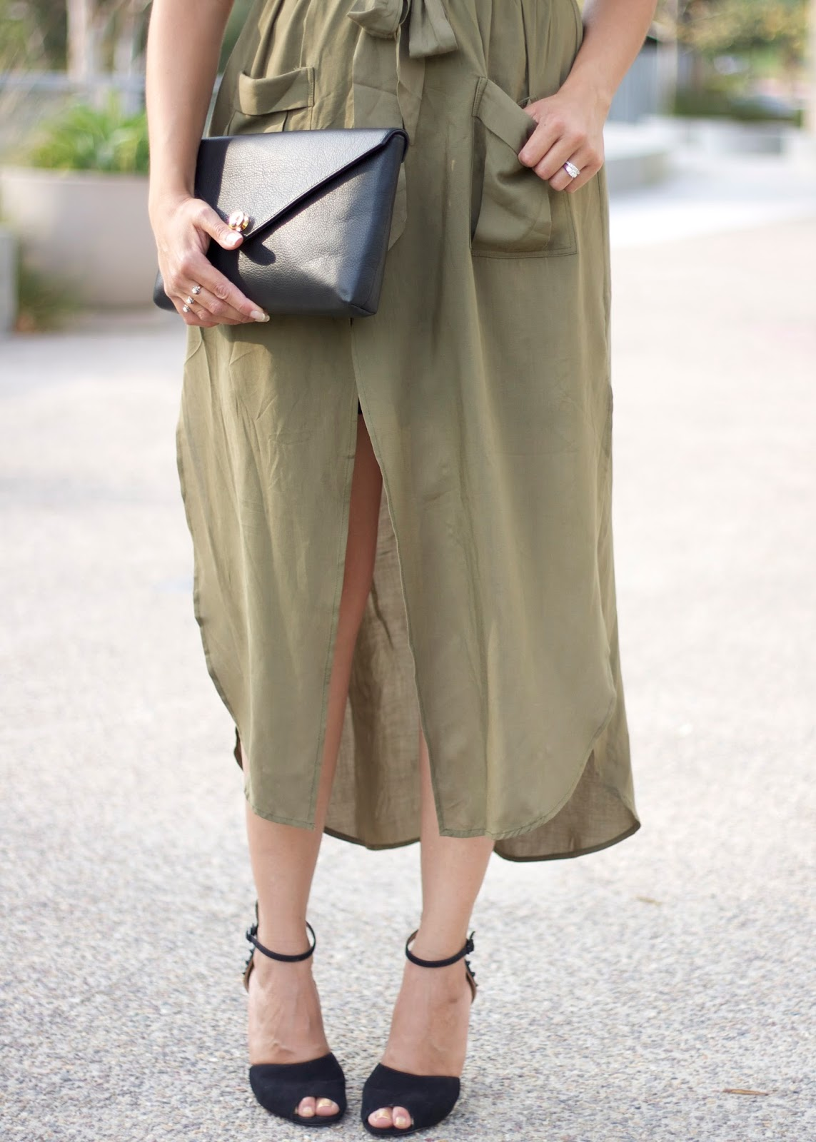 Army green and black, military chic outfit, what to wear to transition into fall, sheinside dress blogger