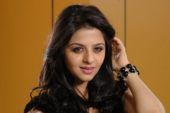 Vedhika in Black Dress Cute Picture Photo Shoot - N/W  Vedika-Hot-Photoshoot-Stills-CF-07