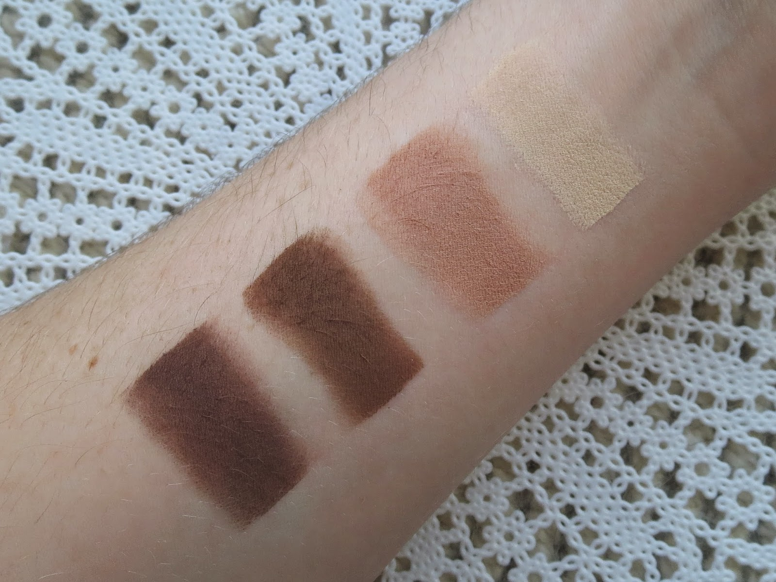 a picture of the Tartelette palette swatch : Multi tasker, dreamer, force of nature, free spirit
