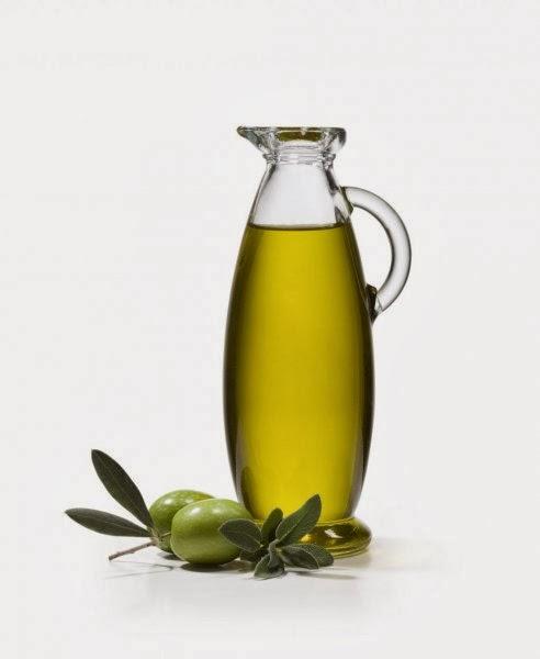 masque l 39 huile d 39 olive pour les cheveux un peu ronde. Black Bedroom Furniture Sets. Home Design Ideas