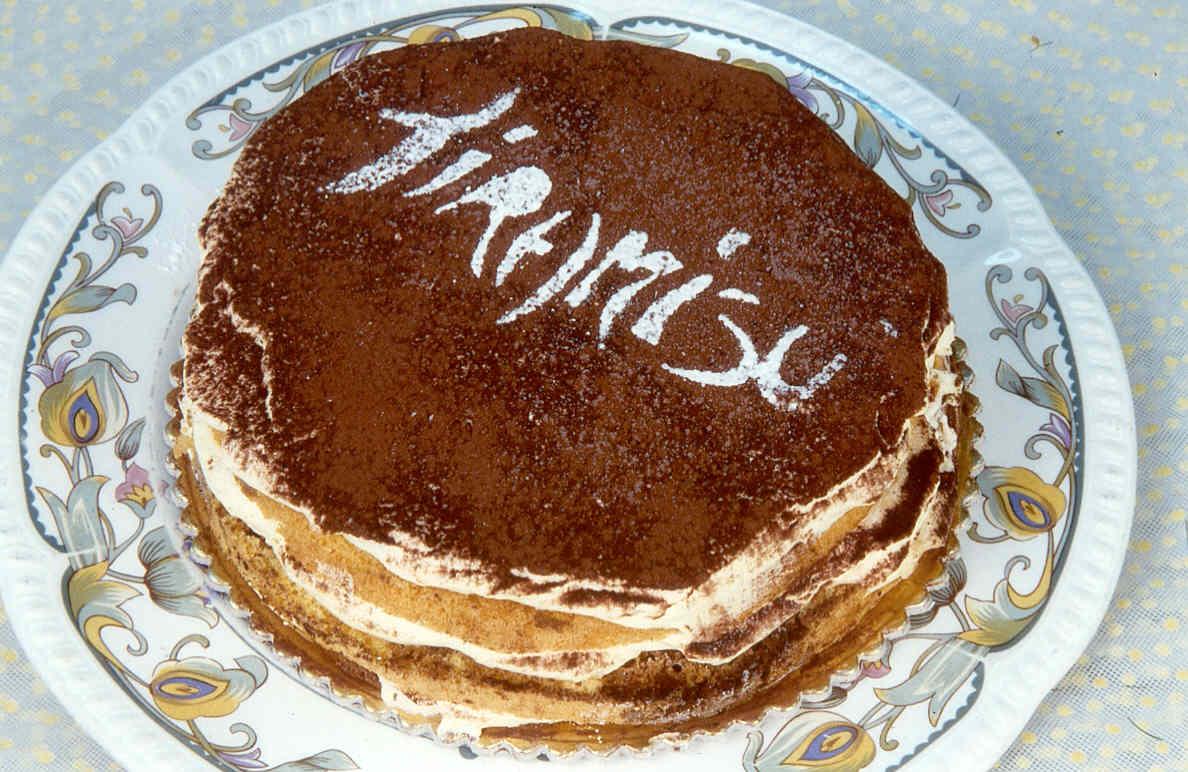 Make Yummy Desserts: Tiramisu cake